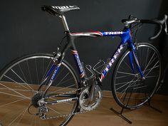 Trek 2002 Us postal, Lance Armstrong bicycle used for san francisco race and couple of race in 2002 tdf. wheels, saddle have been replaced. Trek Bikes, Classic Bikes, Peugeot, Cycling, San Francisco, Wheels, Bicycle, Training, Passion