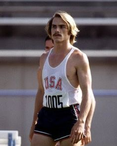 "Billy Crudup as Steve Prefontaine in ""Without Limits"". Steve Prefontaine Quotes, 1972 Olympics, Billy Crudup, Running Photos, Great Films, Track And Field, Man Crush, Sexy Men, People"