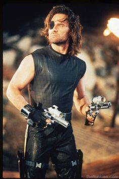 Kurt Russell knows how to keep from firing his guns off too early