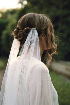 Ethereal Wedding, Wedding Veils, Wedding Garters, Wedding Bride, Wedding Cakes, Flower Crown Veil, Dusky Pink Weddings, Cathedral Length Veil, Vintage Veils