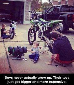 boys_never_actually_grow_up_2013-09-25.jpg (500×578)
