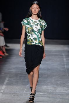 Narciso Rodriguez Spring 2013 — Runway Photo Gallery — Vogue