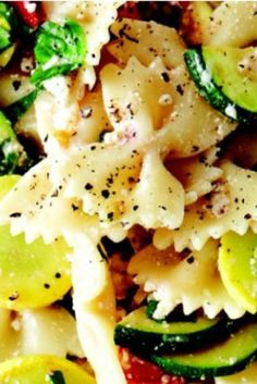 This healthy summer squash bowtie pasta recipe is a cool mix of salad and carbs. Perfect for dinner