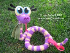 Jennifer Wood, illustrator of The Year of the Snake storybook, made her own felty of Suzie the Snake. She's one of a kind and fully posable, not to mention sweet and sensitive! Jennifer Wood, Year Of The Snake, Chinese Zodiac, Scribble, Illustrator, Doodles, Sweet, Candy, Chinese Zodiac Signs