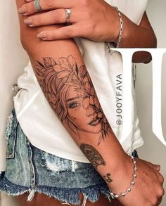 sleeve tattoos for girls and sleeves tattoo _ sleeve tattoos for girls _ sleeve tattoos for guys _ sleeve tattoos for girls distinctive. Hippe Tattoos, Girly Tattoos, Mini Tattoos, Body Art Tattoos, Girl Arm Tattoos, Tatoos, Back Tattoos For Women, Arm Tattoos For Women Forearm, Half Sleeve Tattoos Forearm