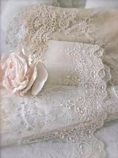 Vintage Crafts, Shabby Vintage, Vintage Lace, Lace Ribbon, Lace Fabric, Crochet Minecraft, Raindrops And Roses, Art Du Fil, Pearl And Lace