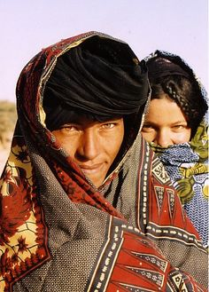 Kel Tamasheq/ Tuareg people of the Sahel & Sahara: Niger, Burkina Faso, Mali, Algeria and Libya. Cultures Du Monde, World Cultures, We Are The World, People Around The World, Tuareg People, Photographs Of People, Folk Costume, First World, Beautiful People