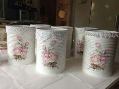 Gamla konserverlatas.recicladas Tin Can Crafts, Diy And Crafts, Crafts For Kids, Arts And Crafts, Decoupage Art, Decoupage Vintage, Mason Jar Crafts, Bottle Crafts, Vasos Vintage