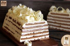 Tarta de galletas y chocolate blanco No Bake Desserts, Just Desserts, Dessert Recipes, Realistic Cakes, Pastry Cake, Chocolate Recipes, Amazing Cakes, Baking Recipes, Sweet Recipes