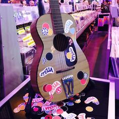 Pin for Later: Consider This Your VIP Pass to Stella McCartney's Chic Fashion Party Even the Musical Instruments Got an Update