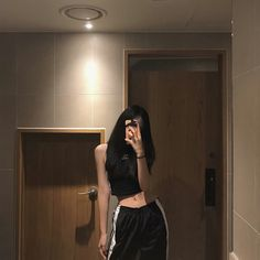 ulzzang 얼짱 girl cute kawaii adorable pretty beautiful hot fit korean japanese asian soft aesthetic 女 女の子 g e o r g i a n a : 人 Ulzzang Korean Girl, Cute Korean Girl, Asian Girl, Skinny Girl Body, Skinny Girls, Aesthetic Girl, Aesthetic Clothes, Girl Outfits, Cute Outfits
