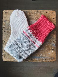 Norwegian design #strikkedilla #strikkeinspo #knitting #knittinginspo #knittersofinsta #inspo #supportsmallbusinesses #madeinnorway #norwegiandesign #knittinglove #gavetips #homedecor #interiør #interiørdesign #interior #handmade #homesweethome #love #instahome #design #art #decoration #instagood #family #inspo #etsy #hjemme #kos Knitting, Fashion, Moda, Tricot, Fashion Styles, Breien, Stricken, Weaving, Knits