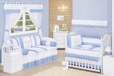 O Quarto de Bebê Coroa Nobre é super elegante! Seu bebê merece toda a graciosidade das coroas em um quarto de bebê azul digno de um príncipe!