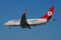 Turkish Airlines Boeing 737-700 TC-JKK