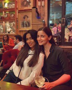 Udta Punjab, Dear Zindagi, Alia Bhatt Cute, Student Of The Year, British Indian, Her Smile, Indian Actresses, Idli Recipe, Singer