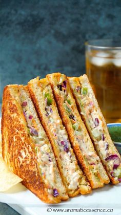 Step by step pictorial recipe to make veg mayonnaise sandwich. How to make mayonnaise sandwich at home. Vegetable Sandwich Recipes, Sandwich Recipes For Kids, Veg Sandwich, Cheese Sandwich Recipes, Toast Sandwich, Soup And Sandwich, Veggie Meals, Mayonnaise Sandwich, Tiffin Recipe
