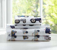 Sullivan Sheeting Pottery Barn - love these sheets for B's room!