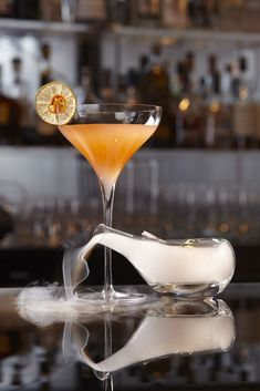 The Smoked Sour at 5 star hotel: One Aldwych Hotel. This hotel's address is: One Aldwych London and have 105 rooms Boutique Hotels London, London Hotels, Cocktail Drinks, Alcoholic Drinks, Cocktails, Top Bars In London, Bloom Gin, Lobby Bar, The Smoke