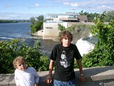 The Rideau Falls are where the Rideau River drops 30 metres into the Ottawa River and is a scenic spot for a picnic just on the edge of the city centre