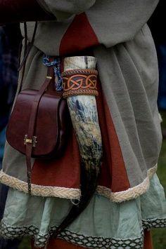 Vikings: Dublin Festival by gaelrehault. Art Viking, Viking Garb, Viking Dress, Viking Life, Larp, Hansel Y Gretel, Viking Culture, Viking Clothing, Old Norse
