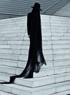Photography By Salar Kheradpejouh Southern Gothic, Poses, Minimal Fashion, Gothic Fashion, Dark Fashion, Grunge Fashion, Men's Fashion, Fashion Advice, Fashion Ideas
