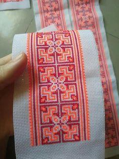 Cross Stitch Gallery, Cross Stitch Bird, Cross Stitch Borders, Cross Stitch Flowers, Cross Stitch Charts, Cross Stitch Designs, Cross Stitching, Cross Stitch Embroidery, Embroidery Patterns