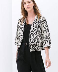Image 3 of PRINTED STRUCTURED JACKET from Zara