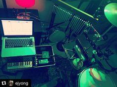 #Repost @ejyong with @repostapp.  Nerding the set @sprout_music #ableton #akai #hybridset #organics