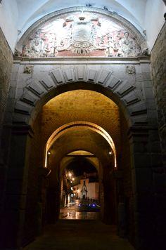 Noche toledana con encanto, secretos y lluvia... ¡Toledo con esplendor y belleza patrimonial!