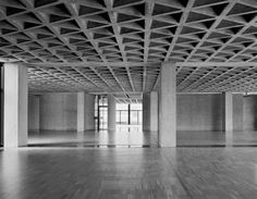 Risultati immagini per louis kahn architecture Louis Kahn, Philip Johnson, Architecture Details, Interior Architecture, Bauhaus, Exposed Concrete, Art Deco, Brutalist, New Art