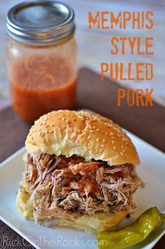 Big hit, I replaced the sugars with a TBSP of coconut sugar. Memphis Style Pulled Pork Recipe - A Crockpot - Slow Cooker favorite! Crock Pot Recipes, Dry Rub Recipes, Slow Cooker Recipes, Cooking Recipes, Soup Recipes, Crock Pots, Smoker Recipes, Rib Recipes, Slow Cooking