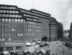 Fritz Hoger, Chile House, Hamburg, (1922-1924)  The name of this huge shipping office complex was inspired by the man who built it, Henry Brarens Sloman, who made a fortune trading saltpetre with Chile.