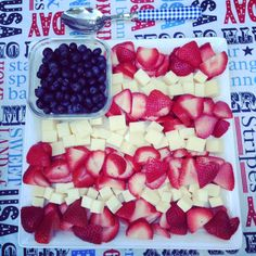 Super easy fruit and cheese Flag platter. Great for memorial day (or the July 4th holiday!) Patriotic fruit appetizer.