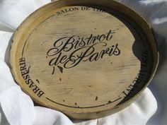 Vintage French Bistro de Paris Wooden Tray - Round White Painted - French scriptures Bistrot de Paris, Restaurant, Brasserie, Salon de Thé