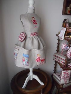 .Just a picture but and not necessarily a pin cushion but it is just gorgeous.