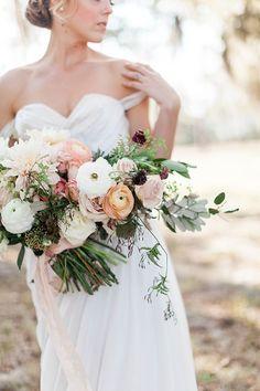 wedding bouquets - photo by Jose & Teresa Photography http://ruffledblog.com/oldfield-plantation-wedding-inspiration