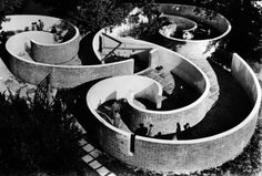 The Children's Labyrinth, a spiraling, trefoil wall structure at 10th Triennial of Milan, 1954
