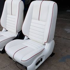 Trendy Custom Cars And Trucks Ideas Seat Covers Ideas Custom Car Interior, Car Interior Design, Truck Interior, Car Interior Upholstery, Automotive Upholstery, Couture Cuir, Ford, Leather Car Seat Covers, Aircraft Interiors