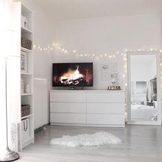 Minimalist Bedroom 320388960993289556 - Source by Ikea Bedroom Design, Room Ideas Bedroom, Home Bedroom, Bedroom Decor, Decor Room, Home Decor, Bedrooms, Aesthetic Room Decor, Minimalist Bedroom