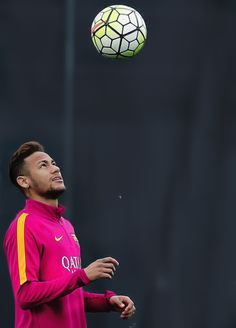 Neymar Training for FC Barcelona Neymar Barcelona, Neymar Jr Wallpapers, Neymar Pic, Nike Football Boots, Sports Picks, Soccer World, Best Player, Soccer Players, Train Hard