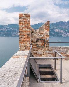Una mattina da persona normale. Ed è subito lite sul 13.   Castello di Malcesine VR. Lago di Garda.