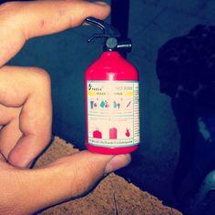 Mini-me de un extintor?   Un aspecto fundamental de cualquier extintor es su RENDIMIENTO, por lo que se busca que una cantidad pequeña, pueda apagar en su totalidad cualquier incendio. Sólo Cold Fire rinde y super rinde para apagar cualquier incendio. Valida con nosotros cual es lo mejor para ti, tu casa, auto, taller, oficina, familia, etc  Extintores Cold Fire www.singulart.com.mx  #bombero #cold fire #coldfire #fireman #emergencia #extinguidor #extintor #extinguisher #fire #seguridad