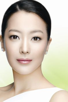 Healthy living quotes motivational messages without women Very Beautiful Woman, Beautiful Asian Women, Korean Beauty, Asian Beauty, Kim Hee Sun, Beauty Tips Easy, South Korean Women, Korean Actresses, Asian Woman
