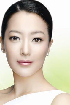 Kim Hee-seon (김희선)