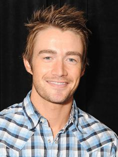 robert buckley......Ethan Kavanough