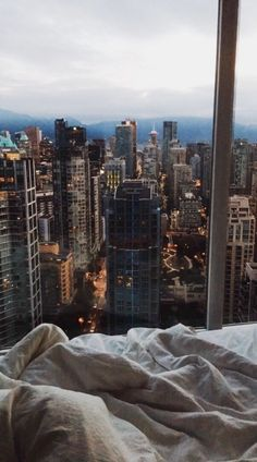 Atlanta midtown, condo living, city that never sleeps, boujee aesthetic, aesthetic photo City Aesthetic, Aesthetic Rooms, Travel Aesthetic, Aesthetic Photo, Apartment View, Manhattan Apartment, New York City Apartment, City Vibe, City Wallpaper
