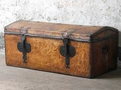 UK's largest stockist of unique antique and vintage storage chests, trunks and boxes. Vintage Bench, Vintage Chairs, Vintage Furniture, Living Room Furniture, Living Room Decor, Wooden Chest, Mid Century Chair, Selling Antiques, Large Homes