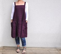 nothing halfway: japanese style - linen pinafore in plum Sewing Aprons, Sewing Clothes, Diy Clothes, Cute Fashion, Look Fashion, Japanese Apron, Japanese Style, Clothing Patterns, Dress Patterns