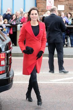 Bring on the maternity style, Kate Middleton's pregnant again!