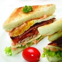 SANDWICH BAKAR http://www.sajiansedap.com/recipe/detail/11851/sandwich-bakar